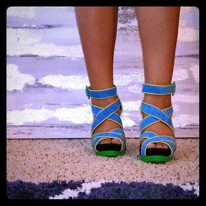 Jessica Simpson Green & Blue suede platform sandal